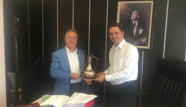 Belediye Başkanımız Mehmet BOYRAZ entegre devlet hastanesi için görüşme gerçekleştirdi.